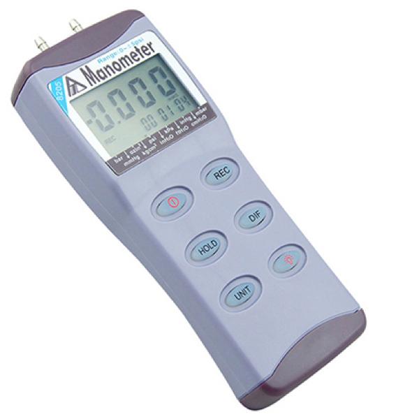 8205 AZ Portable 5 psi Digital Manometer